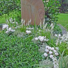 Bodendecker: Die pflegeleichte Grabbepflanzung Cemetery, Stepping Stones, Garden, Outdoor Decor, Plants, Home Decor, Autumn, Style, Rest