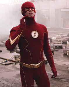 Flash Comics, Dc Comics Heroes, Dc Comics Art, Foto Flash, Oliver Queen Arrow, Flash Funny, Flash Barry Allen, Drawing Superheroes, Flash Wallpaper