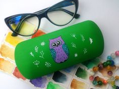 c870ff3d7 Items similar to Cute glasses case Owl - Owl eyewear - Gift for girlfriend  - gift for friends - Owl art - Owl glasses case - Owl hard case on Etsy