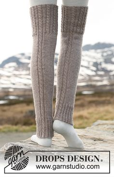 Woolly trotters / DROPS - free knitting patterns by DROPS design Outlander Knitting Patterns, Knitting Patterns Free, Free Knitting, Free Pattern, Pattern Ideas, Crochet Leg Warmers, Crochet Slippers, Drops Design, Knitting Accessories