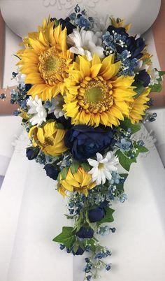 Daisy Bridal Bouquet, Blue Bouquet, Bride Bouquets, Bridal Flowers, Bridesmaid Bouquet, Bridesmaid Dresses, Yellow Bouquets, Wedding Dresses, Cascade Bouquet