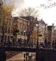 De paseo por #Amsterdam, no te pierdas todos los lugares para #visitar: http://www.viajaraamsterdam.com/lugares-para-visitar-en-amsterdam/ #turismo #guia #viajar #Holanda