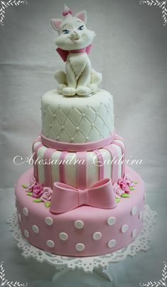 Aristocats Marie Tap the link for an awesome selection cat and kitten products for your feline companion! Fondant Cakes, Cupcake Cakes, Cat Cakes, Rodjendanske Torte, Animal Cakes, Novelty Cakes, Occasion Cakes, Girl Cakes, Fancy Cakes