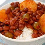 Puerto Rican Rice and Beans (Habichuelas Guisadas) with sofrito recipe Puerto Rican Beans, Puerto Rican Dishes, Puerto Rican Cuisine, Puerto Rican Recipes, Mexican Food Recipes, Ethnic Recipes, Puerto Rican White Rice And Beans Recipe, Puerto Rican Pork Chops, Rice Recipes