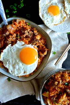 Kimchi fried rice is the first thing I think of when I see kimchi. This kimchi fried rice includes beef and a luscious runny egg on top. I used brown rice, but feel free to use white rice!