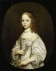Gerard van Honthorst, Maria van Oranje-Nassau, 1648 Zesjarige prinses Maria., de jongste dochter van Frederik Hendrik en Amalia van Solms. Liefdevol houdt zij een miniatuurportretje van haar oudste zuster Louise Henriette vast. Het is een treurige tijd voor de kleine Maria. Haar zuster is net getrouwd en naar Duitsland vertrokken. Haar vader is net overleden. Als teken van de hechte band tussen beide prinsessen houdt zij het miniatuurportretje dicht tegen haar hart gedrukt.