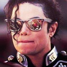 Biting his lip ;) You give me butterflies inside Michael... ღ https://pt.pinterest.com/carlamartinsmj/