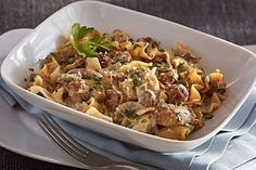 Easy Beef Stroganoff Casserole – Here's a classic beef stroganoff recipe that even the strapped-for-time crowd can pull off. Our tasty casserole version is ready in under an hour. Kraft Recipes, Beef Recipes, Cooking Recipes, Pasta Recipes, Recipies, Casserole To Freeze, Casserole Recipes, Pizza Casserole, Noodle Casserole