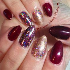 Lecenté Rosé Super Holo nails by Beth Gaunt