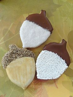 How to make acorn shaped cookies- cute homemade favor idea! (from Pink Little Cake) Oak Tree Wedding