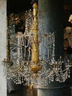 ❥ Antique chandelier
