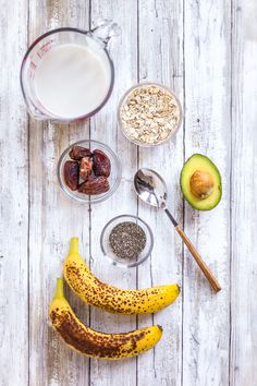 Smoothie to Gain Muscle Mass!Drink this smoothie for a filling breakfast, or pre/post workout. It's super sweet and satiating, and will help you build body mass.
