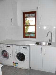 Looking for a new laundry design in Brisbane? Contact us to redesign your laundry, giving it a modern feel whilst keeping it functional. Modern Laundry Rooms, Laundry In Bathroom, Bathroom Renovations Brisbane, Laundry Room Design, Girl House, Washing Machine, Household, Home Appliances, Norman