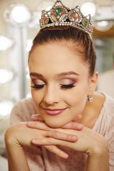 Lauren Lovette's Sugarplum Fairy Makeup Lauren Lovettes Sugarplum Fairy Make-up Fairy Make-up, Makeup Inspo, Makeup Inspiration, Makeup Ideas, Makeup Tips, Dance Competition Makeup, Ballet Makeup, Ballet Hair, Ballet Dance