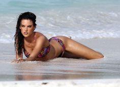 Alessandra Ambrosio - Full Size - Page 14