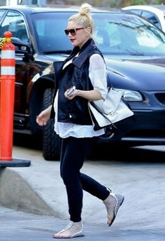 Gwen Stefani wearing Elizabeth and James Roosevelt Sunglasses and L.A.M.B. Reagon Strappy Sandals.
