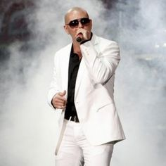 Anyone who knows me, knows I am sooooooooooooo obssessed with Pitbull! He is cosmopolitain and just down right amazing! Before I die, I must meet him!! Watching him dance on stage just makes me wanna dance with him!!