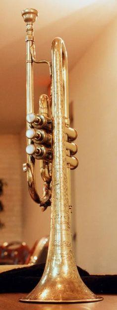 Bix Beiderbecke's golden cornet made by Vincent Bach in New York, 1927 - BEAUTIFUL!