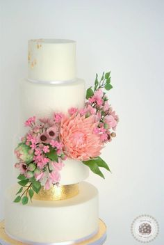 Spring Blooms Wedding Cake - Mericakes Cake Designer - Cake by Mericakes - CakesDecor