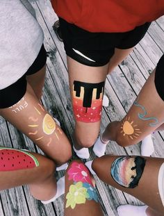 """Bold Body Painting Art Ideas To Try summcoco gives you inspiration for the women fashion trends you want. Thinking about a new looks or lifestyle? This is your ultimate resource to get the hottest trends.""""},""""created_at"""":""""Fri, 23 Aug 2019 Bff Pictures, Best Friend Pictures, Friend Photos, Family Pictures, Artsy Bilder, Pinterest Inspiration, Tumblr Bff, Leg Painting, Body Painting Girls"""