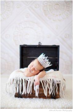 newborn photography newborn pose