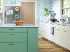 Great kitchen island color!