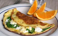 The Food Lovers' Primal Palate: Spinach and Goat Cheese Omelet Breakfast Time, Healthy Breakfast Recipes, Healthy Eating, Breakfast Spinach, Breakfast Ideas, Breakfast Omelette, Healthy Breakfasts, Healthy Life, Egg Recipes