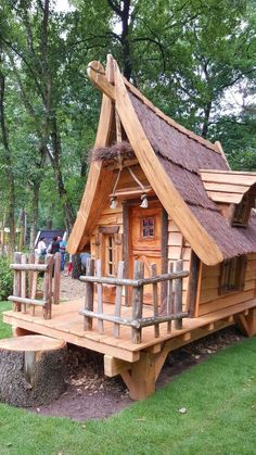 Play street houses - All About Cool Tree Houses, Fairy Houses, Dog Houses, Play Houses, Tiny House Cabin, Cabin Homes, Crooked House, Fairytale House, Tree House Designs