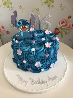 14th Birthday Cakes, Candy Birthday Cakes, Birthday Cakes For Teens, Beautiful Birthday Cakes, Beautiful Cakes, Amazing Cakes, Happy Birthday, Pretty Cakes, Cute Cakes