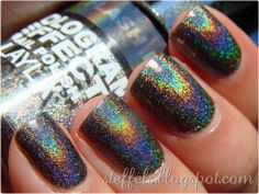 "Layla - ""Flash Black"" - Holographic Effect - Your eyes won't believe your nails."