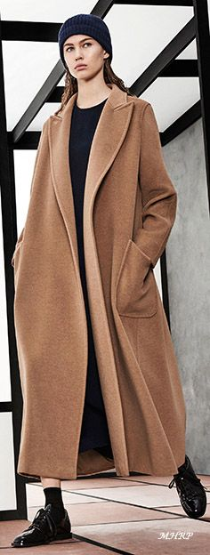 max-mara-pre-fall-18 - image from vogue.com