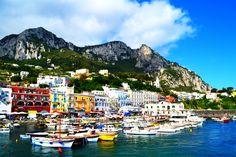 Gu Capri Reise. Befindet sich die finden Sie in unserem gu Capri: Orte zu besuchen, Gastronom, Parteien...