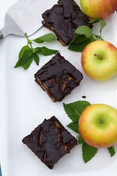 kolac Sweet Recipes, Deserts, Muffin, Food And Drink, Health Fitness, Gluten Free, Sweets, Apple, Baking