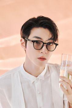 Become A Fashion Designer, Sun Photo, Cha Eun Woo Astro, Handsome Korean Actors, Kdrama Actors, Actor Model, Taemin, Shinee, Saints