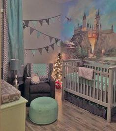 Harry potter baby - Harry Potter Nursery A Harry Potter Inspired Nursery Baby Harry Potter, Deco Harry Potter, Harry Potter Nursery, Harry Potter Theme, Harry Potter Wall Art, Harry Potter Painting, Baby Bedroom, Baby Boy Rooms, Baby Boy Nurseries