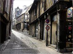 Bourges : rue Coursarlon - (c) michel chanaud