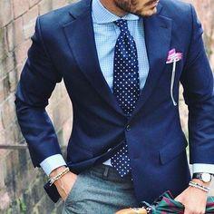stylish urban wear // mens suit // mens fashion // menswear //watches // urban m. - Outfits for Man - Fashion Mode, Look Fashion, Urban Fashion, Mens Fashion, Fashion Menswear, Queer Fashion, Fashion Styles, Fashion News, Gentleman Mode