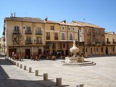 EL BURGO DE OSMA  Situada en la provincia de Soria, es centro comarcal de servicios de la comarca de Tierras del Burgo.