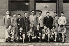 Algortako Ikastetxeko ikasleak (Don Pablo Akademia izenekoa) / Alumnos del Colegio de Enseñanza Algorta (Academia Don Pablo) con su profesor, 1952 (ref. 04539)