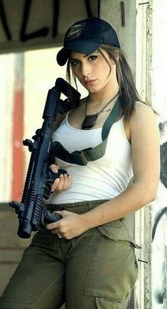 Funny Farting Girl in Office Women Poster, N Girls, Army Girls, Girls Eyes, Military Girl, Female Soldier, Warrior Girl, Military Women, Dangerous Woman