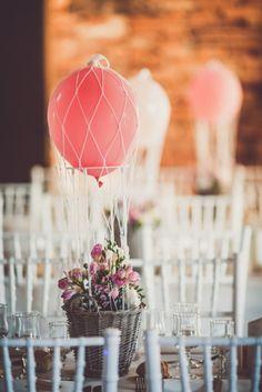 Mariage thème voyage au Domaine de Matens à Toulouse l Photos Marion Dunyach l wedding planner Jours de fete l La Fiancée du Panda blog mariage et Lifestyle