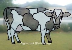 Cow window cling - stained glass look, faux leadlight, created with gallery glass paints. Loved painting this one. Faux Stained Glass, Stained Glass Designs, Stained Glass Panels, Stained Glass Projects, Stained Glass Patterns, Mosaic Patterns, Mosaic Art, Mosaic Glass, Nature Sketch