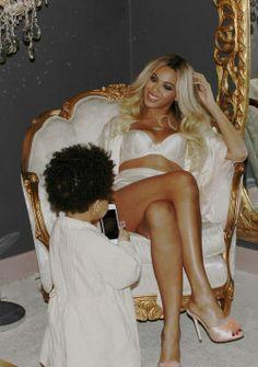 #Beyoncè y su #hija  #queenb #amazing #singer #beautiful #woman #daughter #mom #awesome