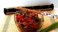 Несмотря на простые ингредиенты и простоту приготовления, этот салат - настоящая кулинарная бомба!