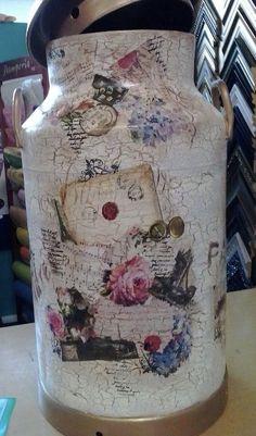 Painted Milk Cans, Shaby Chic, Decoupage Box, Fresh Milk, Bottle Art, Painted Rocks, Pots, Scrapbook, Vase