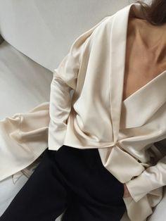 French Fashion Tips .French Fashion Tips Fashion Details, Look Fashion, Spring Fashion, Fashion Outfits, Fashion Hacks, French Fashion, Diy Fashion, Retro Fashion, Fashion Beauty