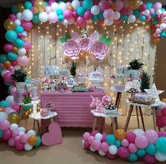- E essa festa linda no tema Unicórnio ficou fantástica! Unicorn Themed Birthday Party, Mermaid Birthday, 1st Birthday Parties, Birthday Party Decorations, Unicorn Baby Shower, Snacks Für Party, Balloon Decorations, Party Time, Instagram Repost