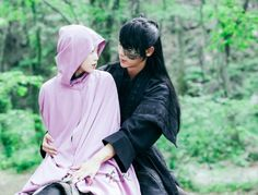 Moon Lovers: Scarlet Heart Ryeo - Elope with all the princes! Well, maybe just Wang So...