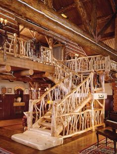 Now that's a staircase Cabana, Escalier Art, Cheap Tiny House, Rustic Staircase, Wood Railing, Banisters, Log Cabin Homes, Cabin Interiors, House Stairs