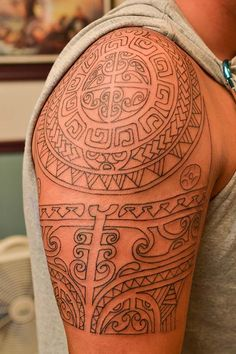 maori tattoo arm f r mann welche tribalmotive polynesian tattoos pinterest tattoo. Black Bedroom Furniture Sets. Home Design Ideas